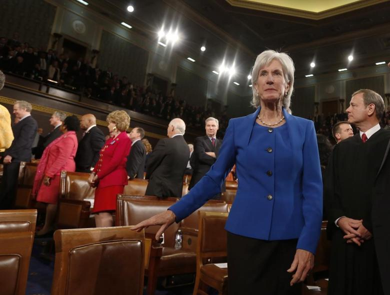 U.S. Department of Health and Human Services Secretary Kathleen Sebelius arrives before President Barack Obama's State of the Union speech on Capitol Hill in Washington, January 28, 2014. REUTERS/Larry Downing