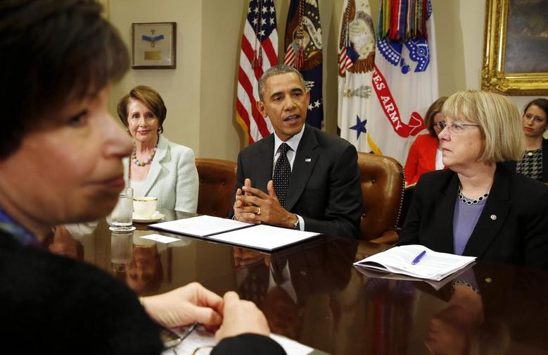 U.S. President Barack Obama speaks to female members of Congress about his administration's minimum wage efforts in the Roosevelt Room at the White House in Washington, March 12, 2014. (From L to R) Senior White House adviser Valerie Jarrett, House Minority Leader Nancy Pelosi, Obama, and Sen. Patty Murray. REUTERS/Larry Downing