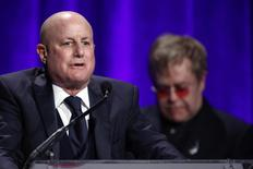 """Ronald Perelman speaks after he received his award during the Elton John AIDS Foundation's 12th Annual """"An Enduring Vision"""" benefit gala at Cipriani in New York, October 15, 2013. REUTERS/Eduardo Munoz"""