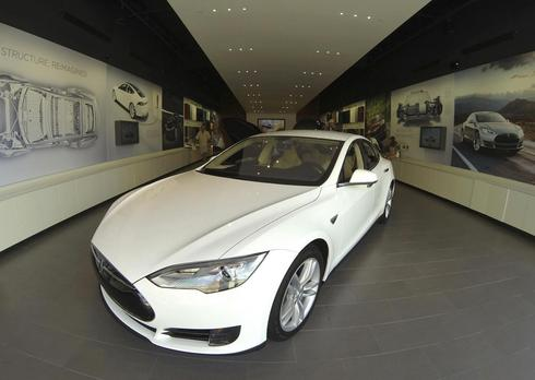In Washington state, Tesla finds way to share the road with dealers