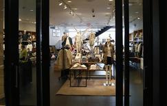 A J.Crew store is seen in Manhattan, New York March 3, 2014. REUTERS/Mike Segar