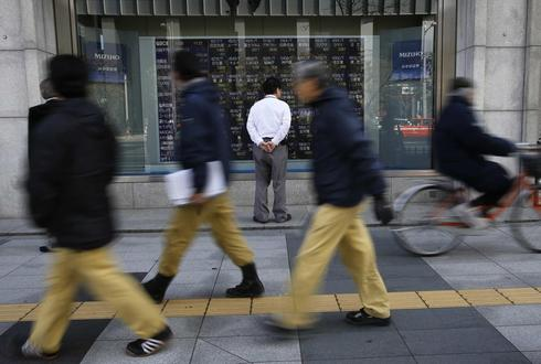 Asian shares steady at four-month high on solid U.S. data, yen at 10-week low
