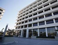 La casa matriz de PIMCO en Newport Beach, EEUU, ene 26 2012. Varios de los mayores inversores de Allianz están presionando a la aseguradora alemana para que refuerce la supervisión de Pimco, su unidad de gestión de activos de California, y uno de ellos evalúa la inusual medida de expresar públicamente sus preocupaciones en una junta de accionistas en mayo. REUTERS/Lori Shepler