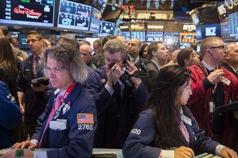 Momentum stocks sink; Nasdaq posts worst day since February
