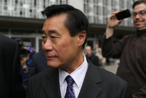 California's senator Yee indicted on gun, corruption charges