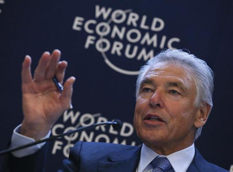 Chairman of Nestle Peter Brabeck-Letmathe gestures during the annual meeting of the World Economic Forum (WEF) in Davos January 25, 2013. REUTERS/Pascal Lauener/Files