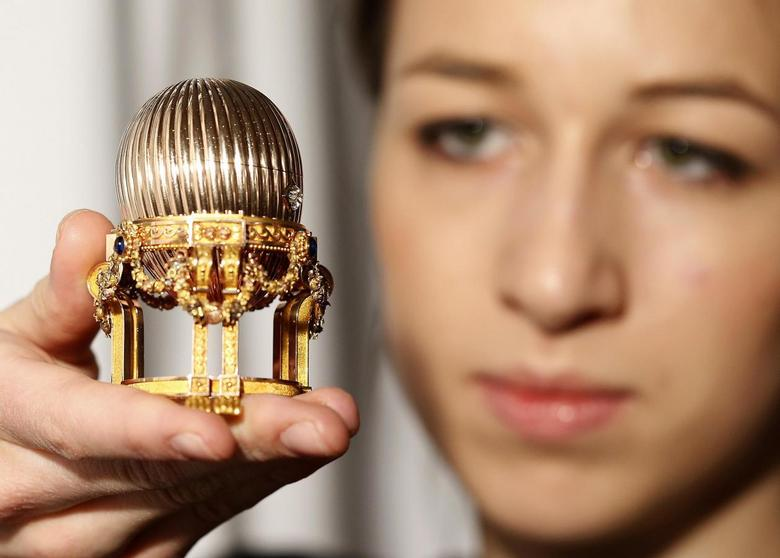 Lost Fabergé Easter egg on show for first time in 112...