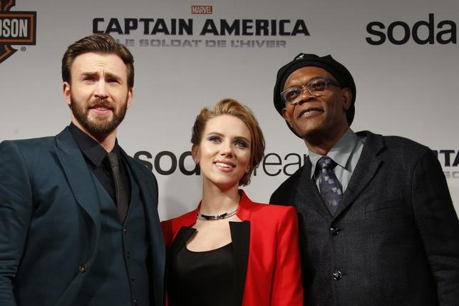 Cast members Chris Evans, Scarlett Johansson and Samuel L Jackson pose at the French premiere of the film ''Captain America: The Winter Soldier'' in Paris in this March 17, 2014, file photo. REUTERS/Benoit Tessier/Files