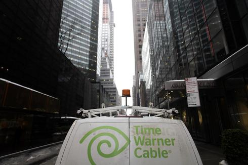 Comcast, Time Warner to face lawmakers on merger plan
