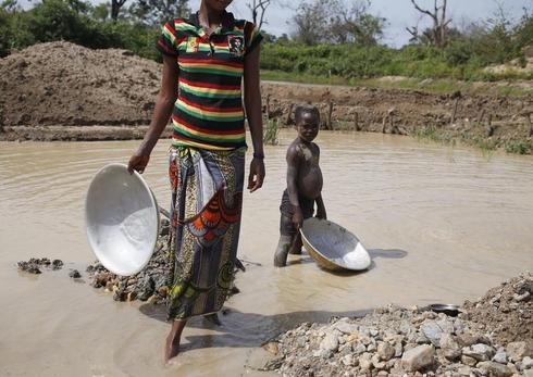 Mining amid conflict