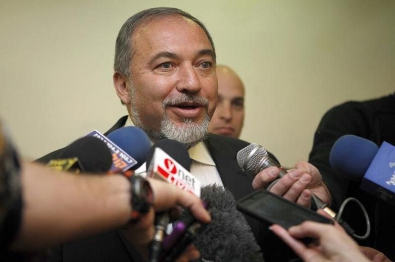 Israel's Foreign Minister Avigdor Lieberman speaks to the media before the weekly cabinet meeting in Jerusalem December 16, 2012. REUTERS/Gali Tibbon/Pool