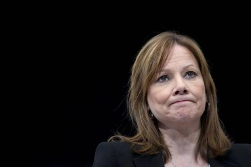 Exclusive - GM says recalled cars safe, but has not tested for knee-bump danger