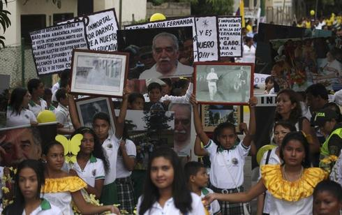 Family and fans mourn Garcia Marquez