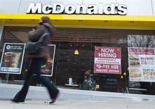 Restaurante de McDonald's en Brooklyn, Nueva York, mar 7, 2014. McDonald's Corp reportó el martes una caída en su ganancia trimestral, ya que las ventas en los restaurantes estadounidenses de la cadena de comida rápida bajaron más de lo esperado debido a una menor cantidad de clientes. REUTERS/Keith Bedford