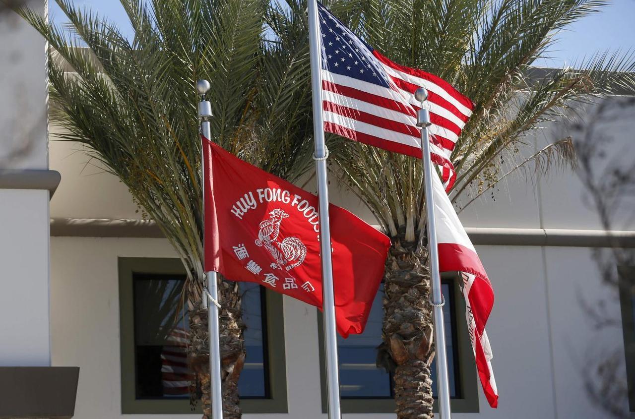 California congressman woos Sriracha pepper sauce factory