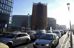 Cars are seen stuck in a traffic jam on a road near the European Commission headquarters during the morning rush hour in Brussels March 20, 2014. REUTERS/Francois Lenoir
