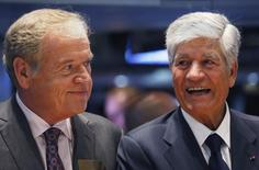 Omnicom Chief Executive John Wren (L) and Publicis Group Chairman and CEO Maurice Levy smile after announcing an agreement on their merger on the floor of the New York Stock Exchange in New York July 29, 2013. REUTERS/Shannon Stapleton