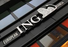 ING a dégagé au premier trimestre un bénéfice net de 988 millions d'euros, un peu inférieur au consensus, en raison de pertes sur créances qui restent élevées en dépit de meilleures perspectives économiques pour les Pays-Bas. /Photo d'archives/REUTERS/Yves Herman
