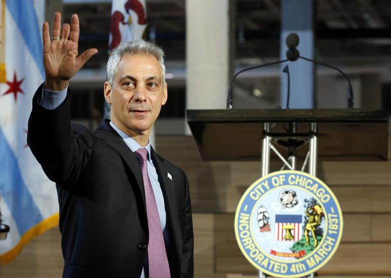 Mayor of Chicago Rahm Emanuel arrives at the public unveiling of Motorola Mobility global headquarters in Chicago, Illinois, April 22, 2014. REUTERS/Jim Young