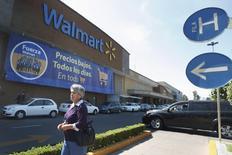Local de Wal-Mart, Ciudad de México, abr 24, 2012. Wal-Mart Stores Inc debería enfrentar una demanda de accionistas estadounidenses que la acusan de esconder supuestos hechos de corrupción en sus operaciones mexicanas, dijo una jueza federal. REUTERS/Edgard Garrido