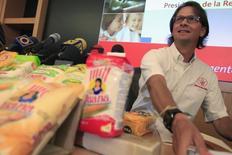 """La mayor compañía privada de Venezuela, Empresas Polar, dijo el sábado que reanudó """"temporalmente"""" su producción de pasta tras casi dos semanas de paro por retrasos en las asignaciones de divisas del Gobierno socialista de Nicolás Maduro. REUTERS/Jorge Silva"""