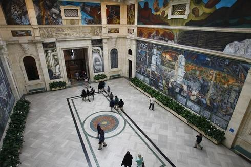 Automakers mull aid to art museum in Detroit bankruptcy