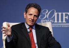 U.S. Treasury Secretary Timothy Geithner speaks at the Institute of International Finance (IIF)'s annual meeting in Tokyo October 11, 2012. REUTERS/Yuriko Nakao