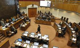 Una vista general de una sesión del Congreso en el Senado en la ciudad chilena de Valparaiso. Foto de archivo, 22 de abril, 2014. REUTERS/Eliseo Fernandez