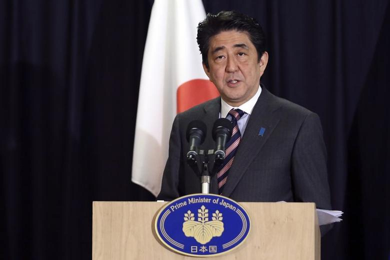 Japan's Prime Minister Shinzo Abe holds a news conference upon the conclusion of his tour to Europe in Brussels May 7, 2014.   REUTERS/Francois Lenoir