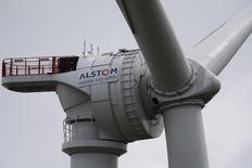 Alstom, à suivre lundi à la Bourse de Paris. Selon des sources informées, Siemens travaille sur une proposition d'échange d'actifs avec le groupe français qui pourrait être présentée dès cette semaine. /Photo prise le 27 avril 2014//REUTERS/Stéphane Mahé