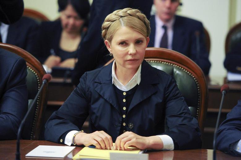 Ukrainian politician and presidential candidate Yulia Tymoshenko takes part in talks in Kiev May 14, 2014. REUTERS/Andrew Kravchenko/Pool