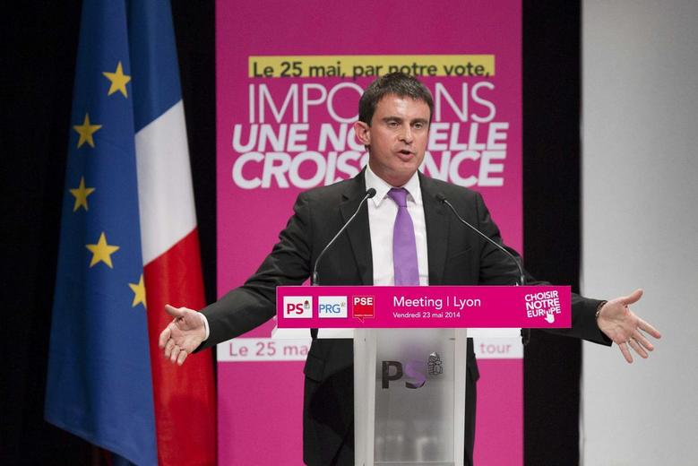France's Prime Minister Manuel Valls attends the political rally for Socialist party candidates running in the upcoming European parliament elections, in Villeurbanne May 23, 2014. REUTERS/Emmanuel Foudrot