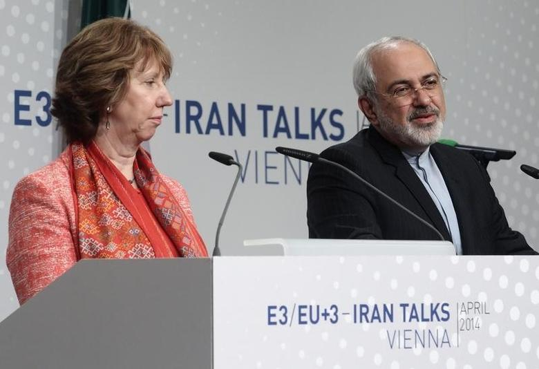 European Union foreign policy chief Catherine Ashton (L) and Iranian Foreign Minister Mohammad Javad Zarif address a news conference after talks in Vienna April 9, 2014.  REUTERS/Heinz-Peter Bader