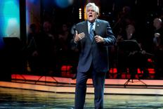 American TV personality Jay Leno hosts the Genesis Prize award-giving ceremony in Jerusalem May 22, 2014.  REUTERS/Jim Hollander