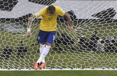 Atacante brasileiro Neymar em jogo contra o México.  REUTERS/Francois Xavier Marit/Pool