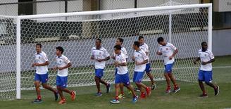 Jogadores da seleção da Costa Rica treinam em Santos. 21/06/2014. REUTERS/Paulo Whitaker