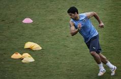 Luis Suárez, da seleção do Uruguai, treina na Arena das Dunas em Natal. 23/06/2014. REUTERS/Carlos Barria