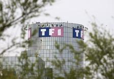 NextRadioTV a déposé un recours contre TF1 devant l'Autorité de la concurrence, accusant le premier groupe privé de télévision en France d'abus de position dominante sur le marché de la publicité. /Photo d'archives/REUTERS/Charles Platiau