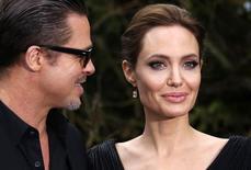 Brad Pitt e Angelina Jolie em Londres. 08/05/2014 REUTERS/Luke MacGregor