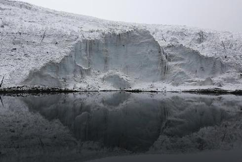 Man-made warming becomes main cause of glacier retreat, study says