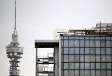 Telecom Italia réunira la semaine prochaine un conseil d'administration afin de discuter d'une offre de l'opérateur télécoms italien sur GVT, la filiale mobile brésilienne du français Vivendi, selon une source proche du dossier. /Photo d'archives/REUTERS/Alessandro  Bianchi