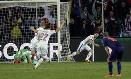 Pilar comemora gol da República Tcheca contra a Holanda em Praga.   REUTERS/David W Cerny