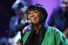 """Patti LaBelle sings Over the Rainbow during a television taping of """"In Performance at the White House: Women of Soul"""" in Washington March 6, 2014.  REUTERS/Jonathan Ernst"""