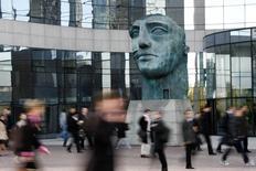 Le climat des affaires s'est légèrement dégradé en septembre en France, avec une détérioration dans les services et le bâtiment. /Photo d'archives/REUTERS/John Schults