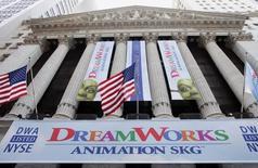 Le japonais Softbank discuterait du rachat de DreamWorks Animation SKG. Basé à Glendale, en Californie, Dreamworks a été fondé en 1994 par Steven Spielberg, David Geffen et Jeffrey Katzenberg. Dreamworks Animation a ensuite été séparé en 2004 des studios Dreamworks. /Photo d'archives/REUTERS/Peter Morgan