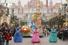 Desfile de personagens da Disney no 20º aniversário da Euro Disney, perto de Paris, em março de 2012. REUTERS/Benoit Tessier