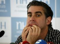 Jordi Cases, sócio do Barcelona, concede entrevista coletiva em Barcelona, na Espanha, em janeiro. 27/01/2014 REUTERS/Gustau Nacarino