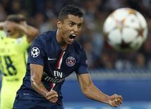 Marquinhos comemora gol do Paris St Germain contra o Barcelona no Parc des Princes em 30 de setembro.   REUTERS/Benoit Tessier