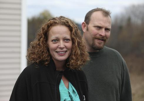 Judge rejects strict limits on U.S. nurse who treated Ebola patients