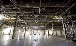 Vista de una planta de manufactura de Phillip Morris en Concord, Norte de California. Imagen de archivo, 28 octubre, 2014.  Los nuevos pedidos de bienes a las fábricas de Estados Unidos cayeron en septiembre por segundo mes consecutivo, lo que representa un contratiempo temporal para el sector manufacturero. REUTERS/Jason Miczek